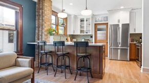 Breakfast bar details and kitchen remodeling in Boca Raton FL by Complete Home Care.